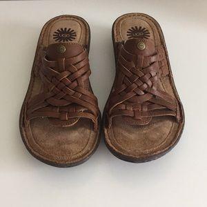 NWOB Ugg Leather Huarache Sandals